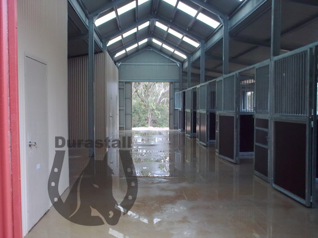 durastall-series-4-with-equiply-panelling-1
