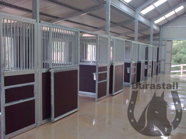 equi-ply-bar-durastall-stable-panels-inside-barn-shed