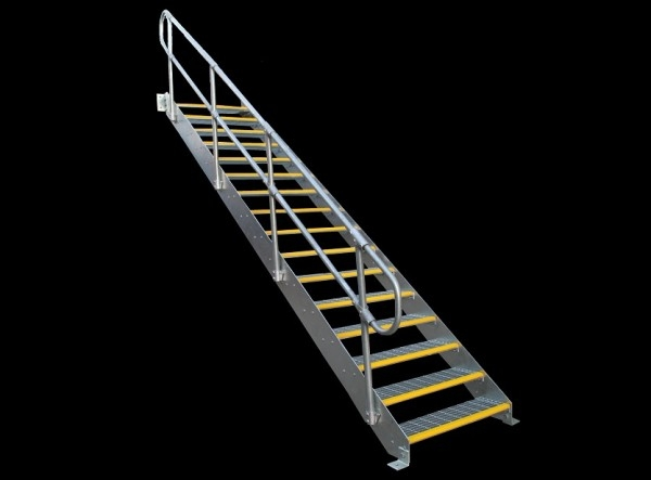 heavy-gal-stairs-e1507789537374