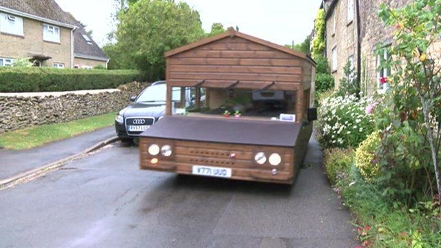 shed on wheels parked