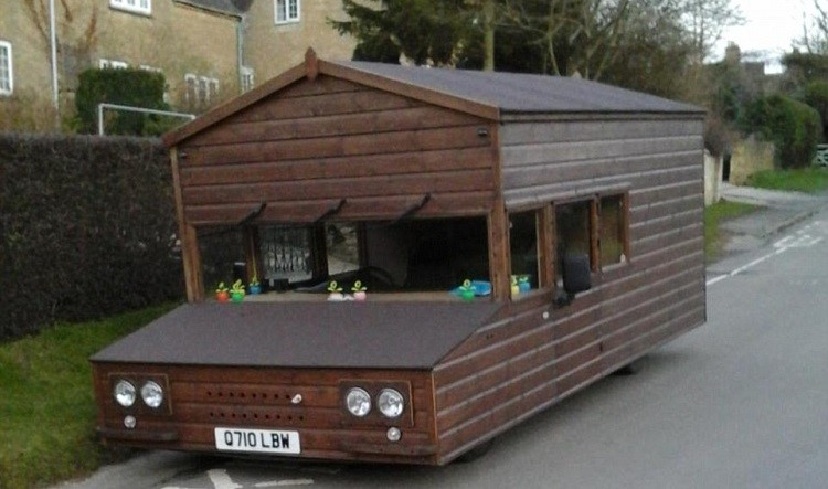 shed on wheels full