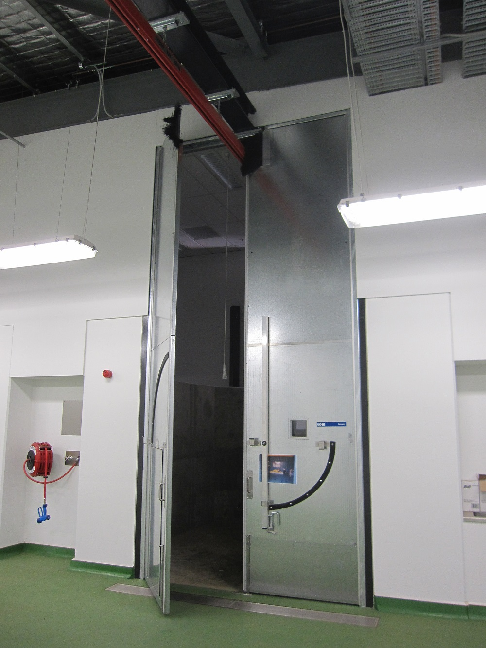 High-Impact-Doors-5200mm-High-with-Crane-Access-in-Equine-Hospital-2