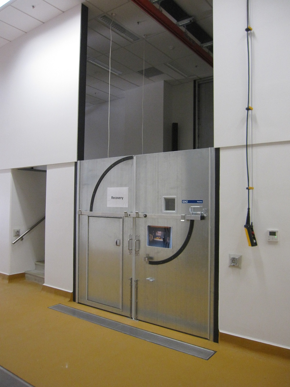 High-Impact-Doors-with-Cross-Brace-in-Equine-Hospital
